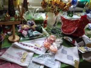 Bäuerliches Handwerk, handwerken, Farmer-Rabensteiner, Kunst- und Kleinahndwerk, basteln, sticken, nähen