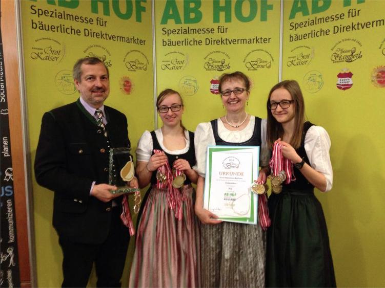 AUSZEICHNUNGEN-2014-AB-HOF-WIESELBURG